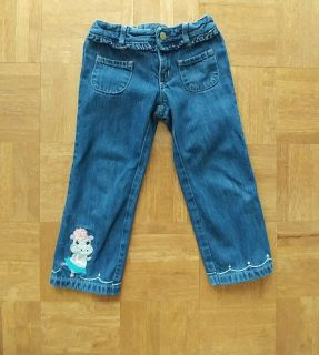 Gymboree 3t jeans. Adjustable waist,great condition! Super cute embroidery!