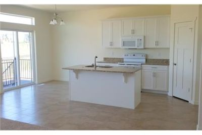 4 bedrooms - High-end Lehi Townhouse located on Traverse Mountain near Cabela's. Washer/Dryer Hookup