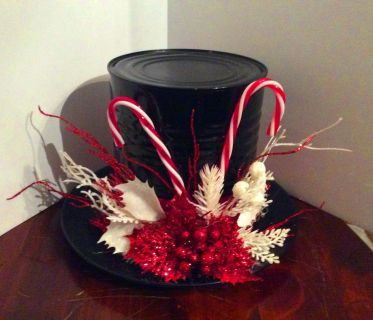 Frosty's Top hat in red and White