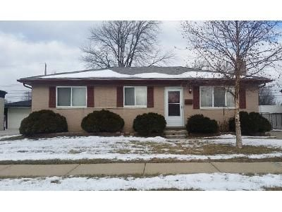 3 Bed 1 Bath Foreclosure Property in Roseville, MI 48066 - Susan Ct
