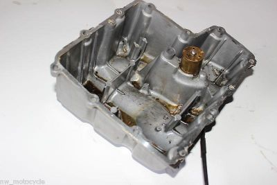 Buy YAMAHA R6 YZF 600 OIL PAN COVER ENGINE MOTOR 1999 2000 99 00 CW motorcycle in Vancouver, Washington, US, for US $49.00