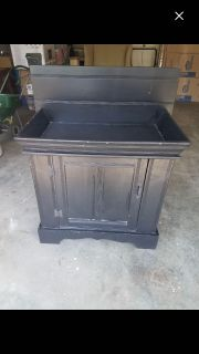 DRY SINK - WOULD BE A GREAT PAINT PROJECT!!