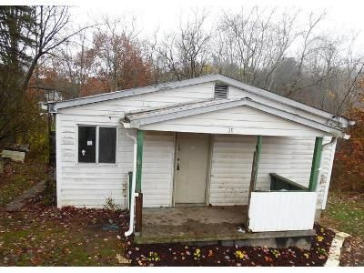 1 Bed 1 Bath Foreclosure Property in Mabscott, WV 25871 - Sparacino St