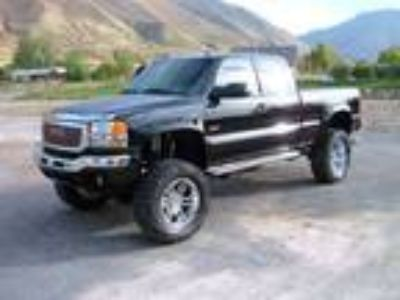 Used 2005 Gmc SIERRA 2500 HD for sale.