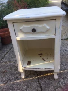 CHIPPY WHITE NIGHT STAND - SIDE TABLE