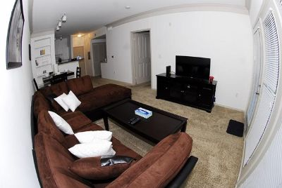 $2,300, 1br, Bagby st. Midtown furnished apartment