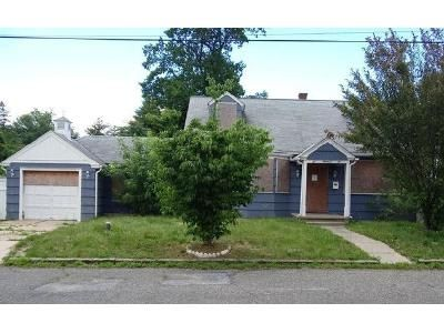 5 Bed 4 Bath Foreclosure Property in Vineland, NJ 08360 - Clarendon Ave