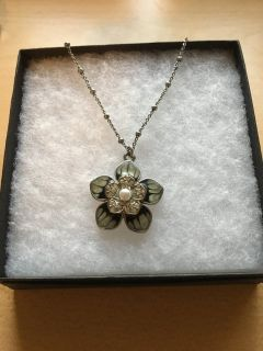 Lia Sophia silver and black flower necklace- 18