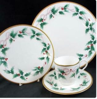 Mikasa Ribbon Holly China