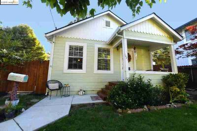 1021 Vine Ave MARTINEZ Two BR, Adorable Craftsman style home