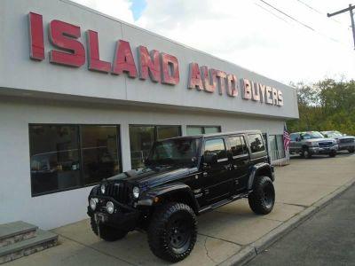 2015 Jeep Wrangler Unlimited Sahara 4x4 4dr SUV (Black)