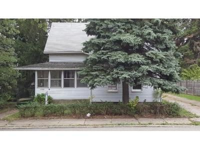 4 Bed 2 Bath Foreclosure Property in Erie, PA 16504 - Pine Ave