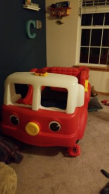 Perfect firetruck used toddler bed