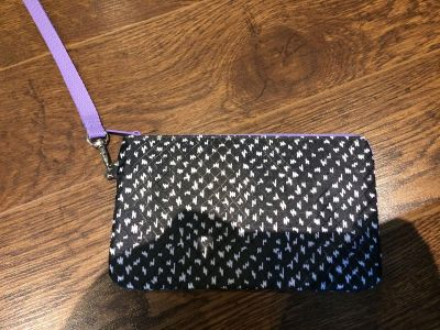 Thirty one easy going wristlet