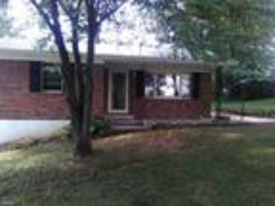 Four BR Two BA In Magnolia KY 42757