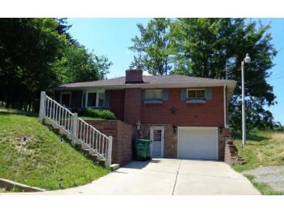 3 Bed 1 Bath Foreclosure Property in Latrobe, PA 15650 - Youngstown Ridge Rd