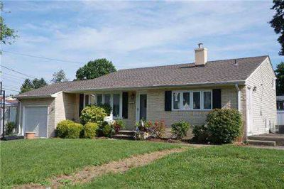 106 Westminster Road COLONIA, GREAT HOUSE!! GREAT PRICE!!
