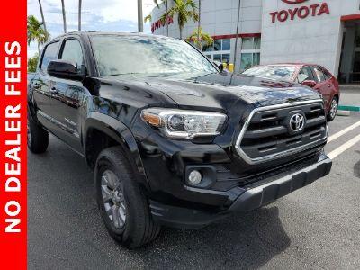 2017 Toyota Tacoma (black)