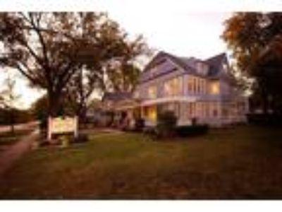 Inn for Sale: Abilene's Victorian Inn B&B
