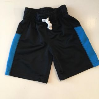 GUC Shorts - size 2t - fit like 18 mo