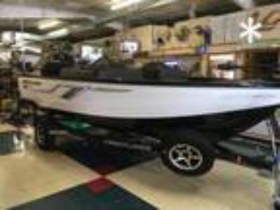 2019 Crestliner 1650 Fish Hawk SC