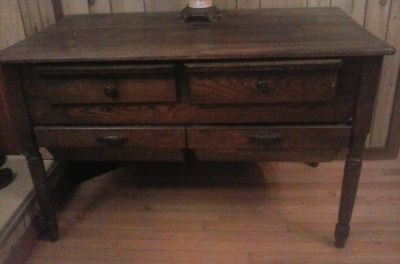 1800's posuum belly bakers table