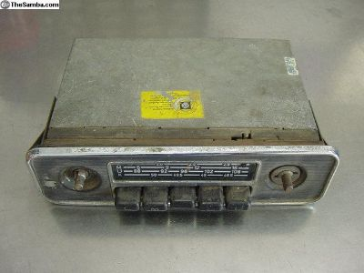 VW Grundig 4 Band Radio