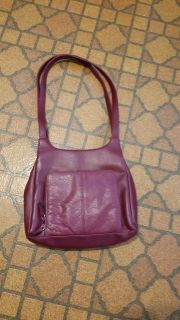 Leather purse, excellent cond. 5.00