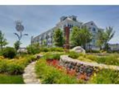 The Commons at SouthField - 1 BR On The Green