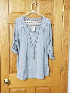 Adorable womens 3/4 sleeve top size 1x