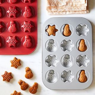 Pampered Chef Snowman and Snowflake mini cake/biscuit pan