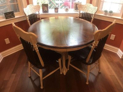 Solid Oak Clawfoot Kitchen Table, Leaf and 4 Chairs. Slide left for additional pics