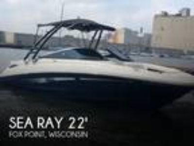 Sea Ray - 220 SD Sundeck