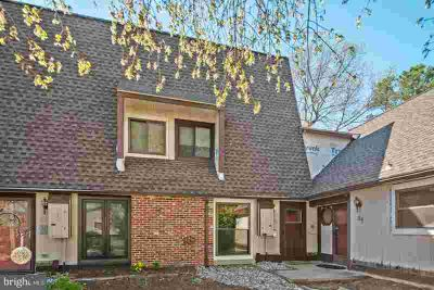 32 Dorset Dr MARLTON, Welcome home to this updated Two BR