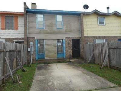 2 Bed 2.1 Bath Foreclosure Property in New Orleans, LA 70126 - Coveview Dr