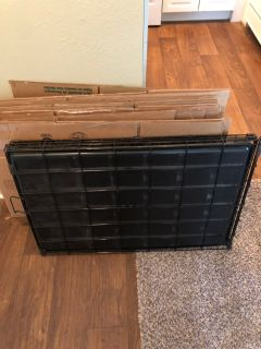 Large Metal Dog Crate w/ Plastic Tray