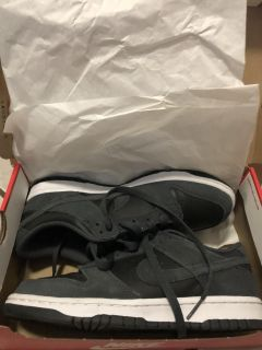 nike dunk lows like new condition with box