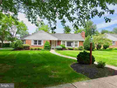 1355 Museum Rd READING Two BR, Move in Ready! Don't miss out on