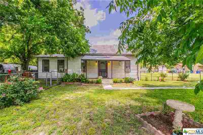 307 S Front Street Holland One BR, what a quaint little gem in