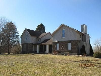 4 Bed 2.5 Bath Foreclosure Property in Kendallville, IN 46755 - N Angling Rd