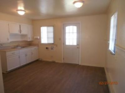 $800, 2br, Two Bedroom Home With Wood Floors On A Cul-de-sac