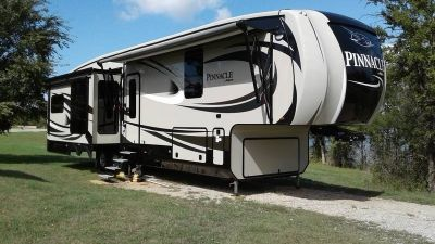 2017 Jayco Pinnacle 36 FBTS
