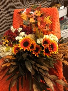 Lot of 55 floral pieces (51 floral and 4-4 fall leaf runners). All new. All for $8.00 Above is Landa Park