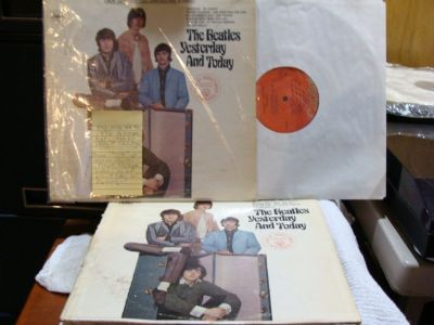 BEATLES YESTERDAY AND TODAY [2 VINYL LP'S]