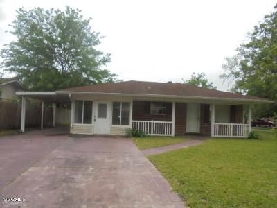 3 Bed 2 Bath Foreclosure Property in Pascagoula, MS 39581 - Martha Ct