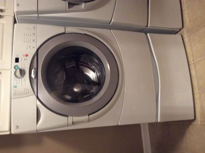 Whirlpool Duet Washing Machine with Pedestal; front loading; high efficiency