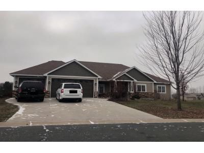 3 Bed 2.5 Bath Preforeclosure Property in Shakopee, MN 55379 - Belmont Ave NW