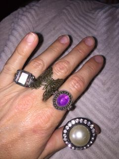 Lot of 4 costume rings $1 for all