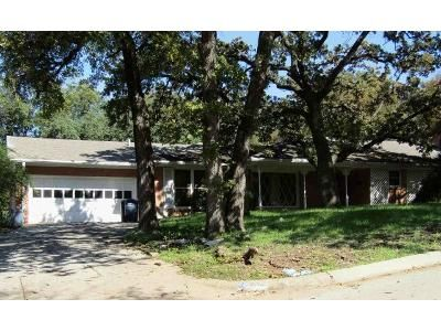 3 Bed 2 Bath Foreclosure Property in Fort Worth, TX 76112 - Rockhill Rd