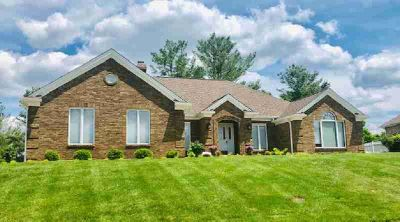 557 St Andrews Drive Vine Grove Three BR, Ranch style living on